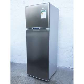 Fridge (free delivery)