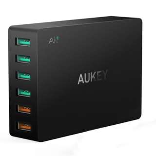 Aukey 6- Port usb Charging Station  with Quick Charge 3.0 ( free UK plug )