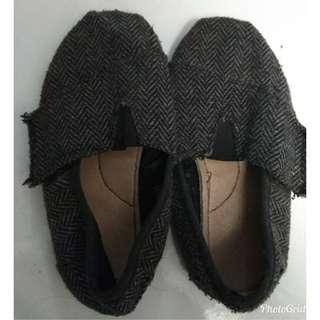 Sepatu slip on anak