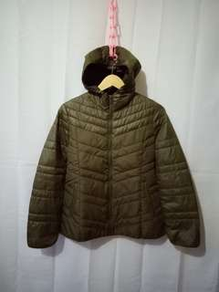 GU JACKET LIGHT WARM HODDIE GREEN