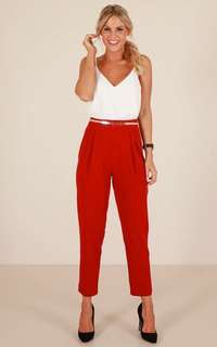 White top red Pants terno