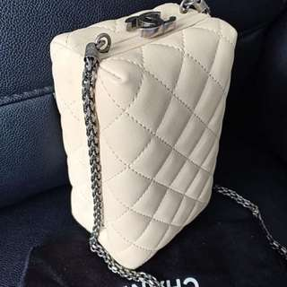 Authentic Chanel clutch ivory
