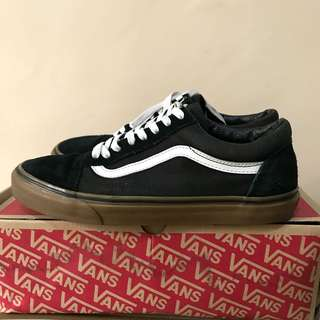 Vans old skool black gum size 10 us 43