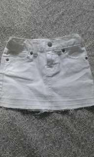 Old Navy White Maong Palda Size 5