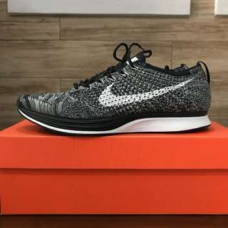Nike flyknit racer oreo size 44 us 10 like new vnds original