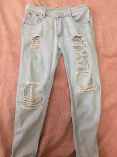 Highwaist tattered boyfriend jeans