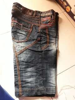 Celana jeans pendek pria distro