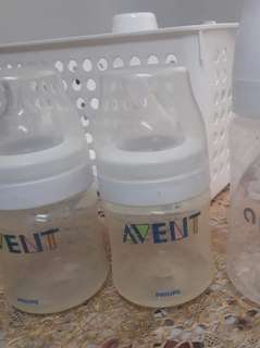 Preloved for babies.avent bottles 100 each pranella p70 1/2 dozen lampin and cloth diaper 300