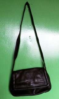 LEATHER BLACK SHOULDER BAG