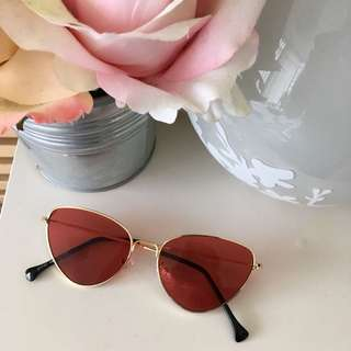Cute red cat eye sunglasses