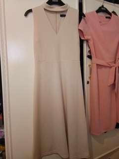 Choker V-neck dress