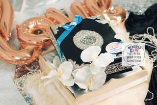 Modern wooden gift tray, Gubahan with terrarium & fairylight . Wedding & engagement