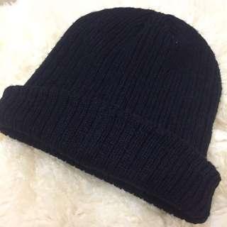 winter's black hat