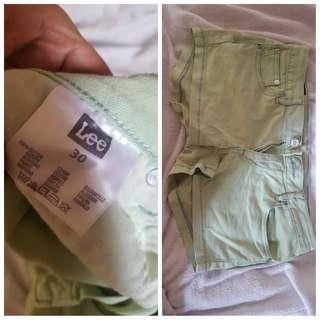 Preloved LEe short (use but never abuse) mintgreen