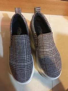 🚚 格紋厚底鞋35號