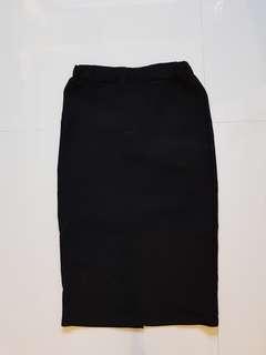 🚚 Jovet Black Midi Skirt