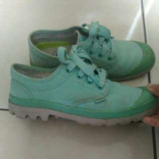 🚚 Palladium淺綠色鞋頭防水休閒鞋