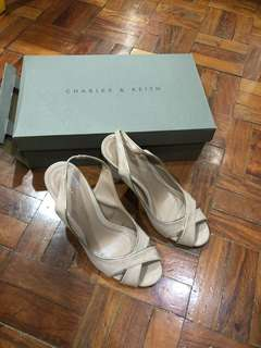 Charles and keith size 36 suede nude pink wedges
