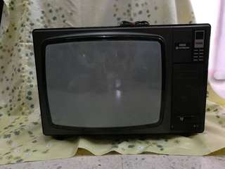 Antique TV (Hitachi)