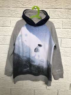 Warm pull over hoodie
