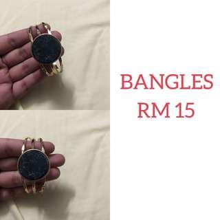 Bangle B02
