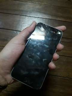 BROKEN ITOUCH GEN 5 FOR PARTS