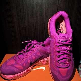 Nike Tail Wind 7