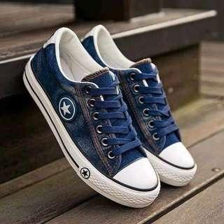 #027 Sneakers