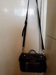 黑色牛皮手袋