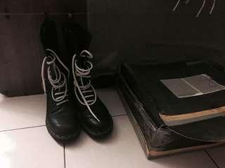 🚚 Dr.Martens 14孔黑色馬汀鞋 長靴 英國製