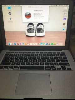 MacBook 13 Inch 2017