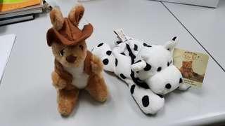 Aussie Kangaroo n Japanese Cow beanie. Toy