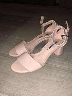 Zara mid heel shoes for sale!
