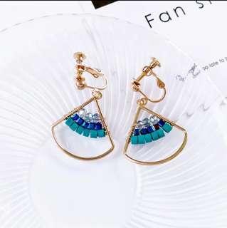 🚚 6月新款--韓國帶回 氣質款造型彩珠耳夾