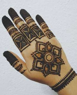 Fresh natural henna cones/ Henna services!