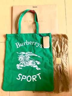 Burberry 最新款2018春夏系列 大型典藏徽標平織購物袋