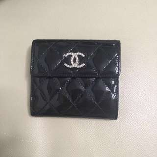 Chanel 黑色漆皮經典短銀包