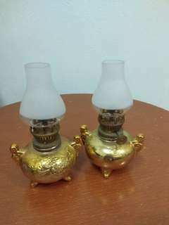Chinese oil lamp