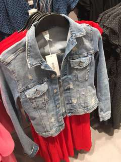 LOOKING FOR THIS H&M DENIM JACKET