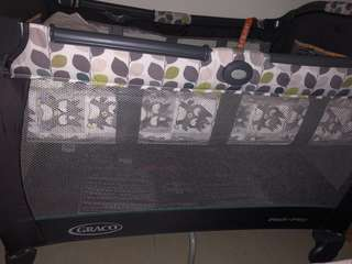 👶🏼Graco 網床連床褥Pack n Play🛏 (L100cm x W70cm x H75cm)