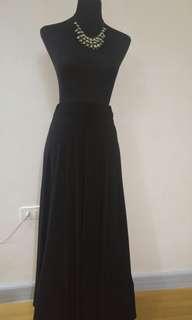Black maxi skirt with side slit