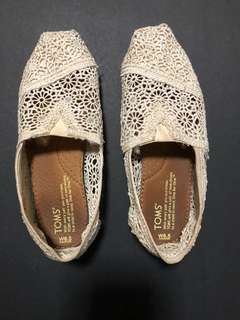 Toms lacey shoes