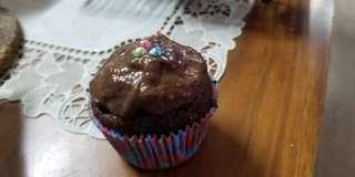 banana chocolate cupcake