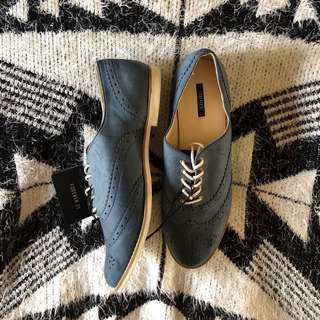 F21 Navy Blue Oxford Shoes (Size 9)
