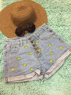 Korean denim shorts 💕