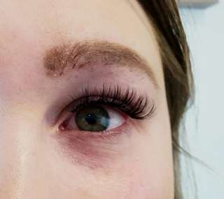 Eyelash extensions located in DeerPark vic 3023