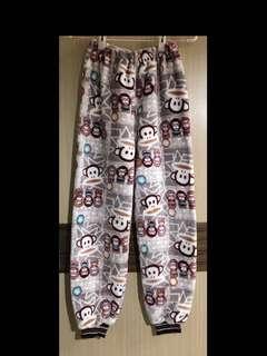 免運費❗️大嘴猴 猴子 咖啡色 刷毛 超質感 兒童 睡衣 睡褲 長褲 束褲腳 白色 卡通圖案 冷氣房 純棉 購於香港