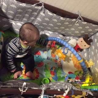 二手-木製嬰兒床