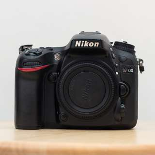 NIKON D7100 DSLR (Body only)