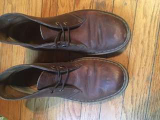 Clark's brown leather desert boot sz 6